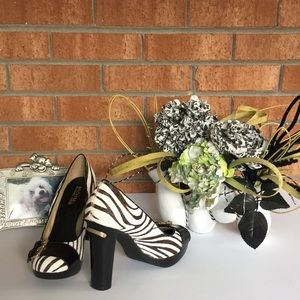 MICHAEL KORS Calf Hair Zebra Print Heels Size 6.5M
